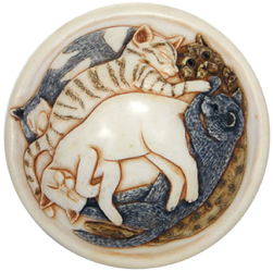 detail of lid with sleeping cats on cat heaven cremation urn