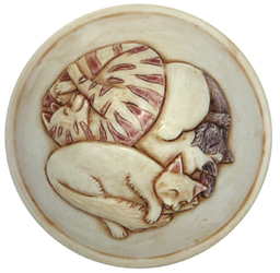 detail of cats on the lid of felinicty cat cremation urn