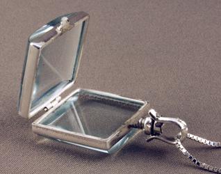 Pet Urn Jewelry Victorian Glass Locket Lock Of Fur Glass